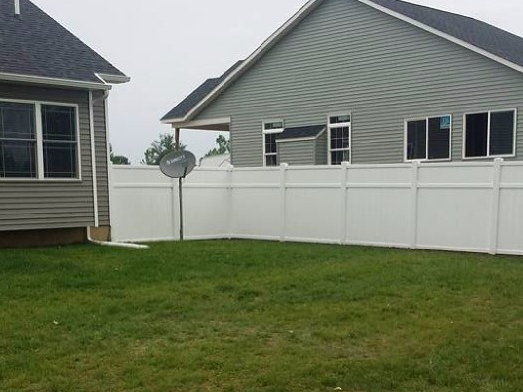 3 Benefits of Vinyl Fencing